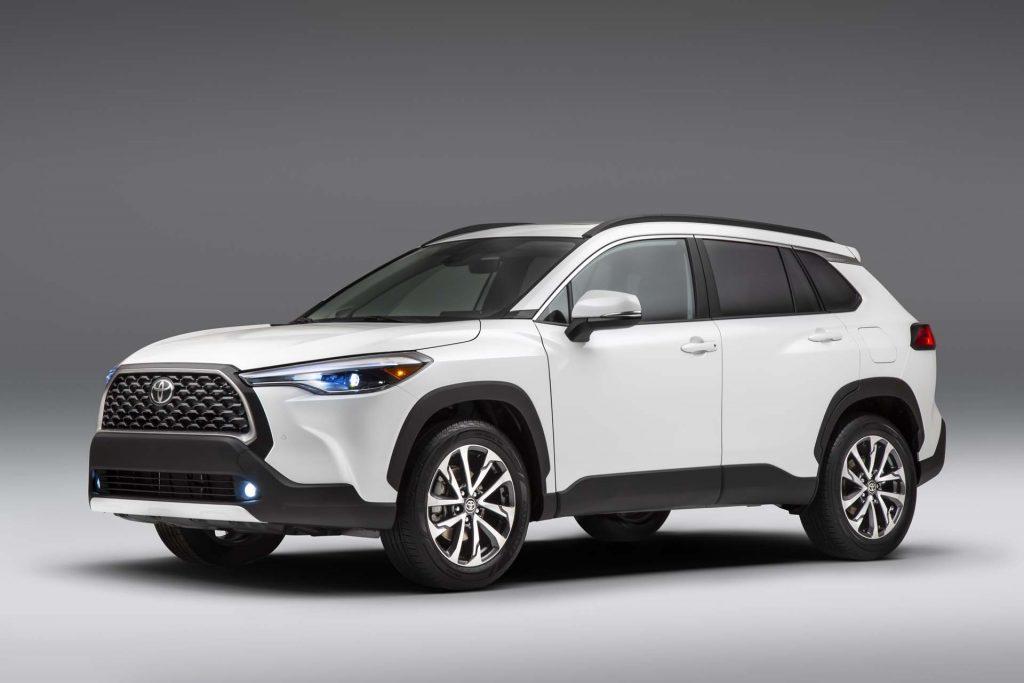 Toyota Cross VS KIS Sportage Comparison 2021