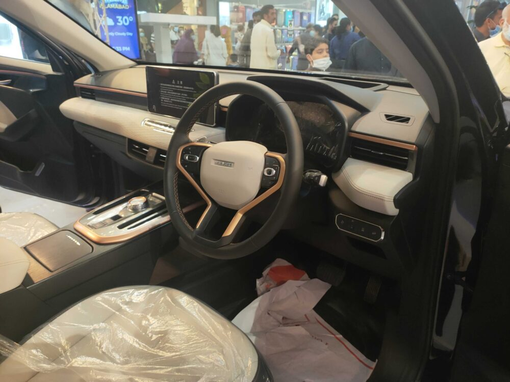 Haval Jolion and H6 Launched in Islamabad